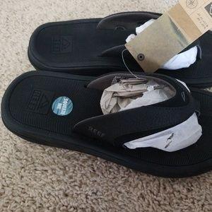 REEF Shoes - REEF modern flip flops